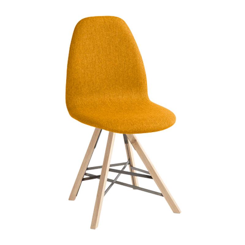 Design stoel met hout