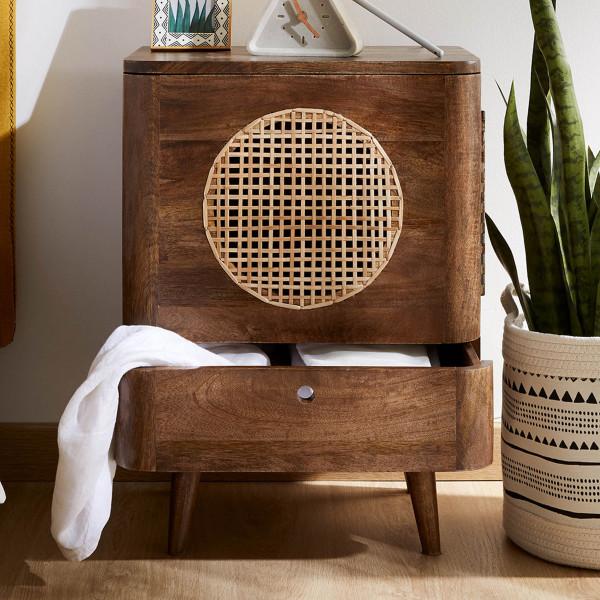 Bruin houten nachtkastje