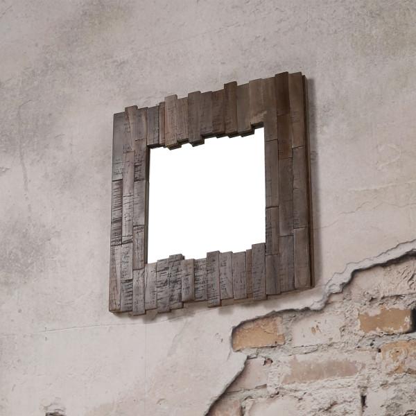 Spiegel met greywash houten lijst