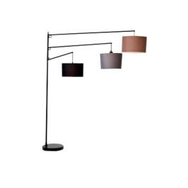 Design vloerlamp met drie kappen